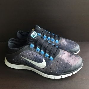 40643b709ef1 Women s Nike Free 3.0 Sneakers on Poshmark